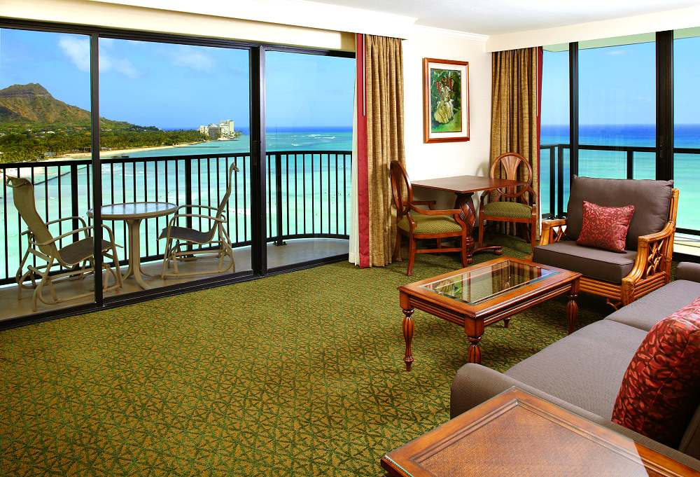 Outrigger-Waikiki-1-Bedroom-Oceanfront-Suite