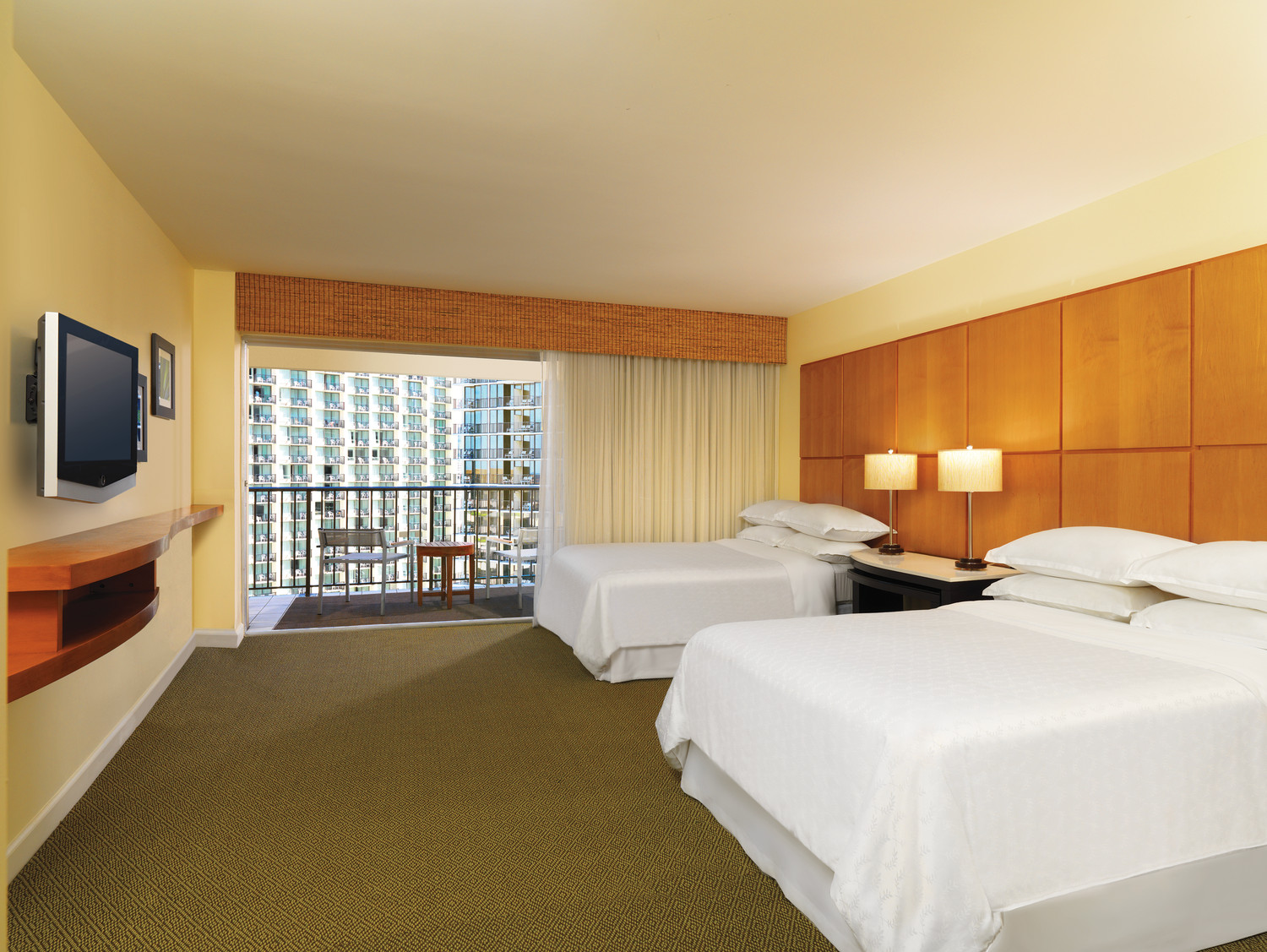 Sheraton-Waikiki-City-View-Room