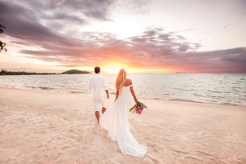 Oahu - Waikiki Romantic Beach Side Wedding